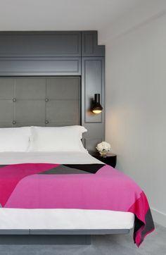 A sneak peek at the Mondrian Sea Containers London -- the first Mondrian hotel… Theme Hotel, Hotel Decor, Apartment Interior Design, Interior Design Living Room, Sea Containers, Hotel Room Design, Geometric Decor, Home Office Decor, Colorful Interiors