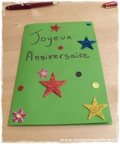 A homemade birthday card, pop-up version Birthday Card Pop Up, Homemade Birthday Cards, Charcoal Wedding, Pop Up Art, Triangle, Crafts, Elsa, 3d, Birthday Diy