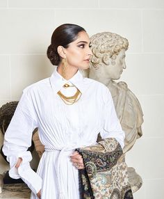 looks like a Roman goddess in an outfit Bollywood Celebrities, Bollywood Actress, Wedding Function, Sonam Kapoor, Bollywood Stars, Fashion Advice, Elegant Dresses, Couture Fashion, White Dress