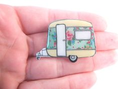 Time for some caravan adventures!  Ready for any nostalgic trip be sure to have you little floral caravan brooch to show!  hand drawn and handmade by