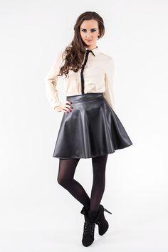 Beżowa koszula z czarnym pasem ABK0036 www.fajne-sukienki.pl Skater Skirt, Goth, Skirts, Style, Fashion, Space, Gothic, Swag, Moda