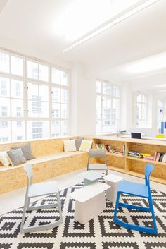 "buddybrand, a German-based digital agency that helps brands understand and execute total digital transformation, recently opened its new headquarters in Berlin. ""Together with Vitra we managed to create a working space that totally fits our needs as an agile agency – no fixed desks for our staff and personal boxes instead of big moving storage units to reduce … Continue reading A Look Inside buddybrand's Hip Berlin Office →"