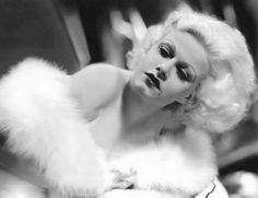 The epitome of old Hollywood glamour. Jean Harlow in the Hollywood Cinema, Old Hollywood Glamour, Vintage Hollywood, Hollywood Stars, Classic Hollywood, Hollywood Divas, Hollywood Icons, Vintage Vogue, Vintage Glamour