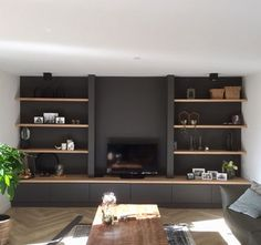 Built In Shelves Living Room, Living Room Bookcase, Living Room Wall Units, Living Room Tv Unit Designs, Home Living Room, Living Room Decor, Muebles Living, Fireplace Design, Living Furniture