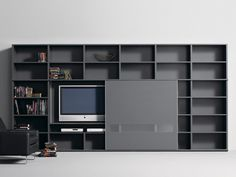 Studimo interlubke tv-kast