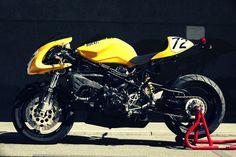 Radical Ducati S.: Sport 944 by Radical Ducati Ducati Motorbike, Cafe Racer Motorcycle, Motorcycle Art, Motorcycle Design, Bike Design, Sweet Cars, Diy Car, Sport Bikes, Cool Bikes
