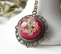 Vintage style scarlet real flower necklace - inspired by Victorian jewellery. Sumptuous and very glam!