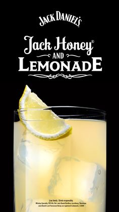 Honey & Lemonade This easy summer cocktail recipe is all the buzz. And you just need two ingredients: Jack Honey and lemonade.This easy summer cocktail recipe is all the buzz. And you just need two ingredients: Jack Honey and lemonade. Liquor Drinks, Cocktail Drinks, Cocktail Recipes, Mixed Drinks Alcohol, Alcohol Drink Recipes, Refreshing Drinks, Fun Drinks, Beverages, Jack Honey