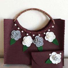 Keçe Çanta Cüzdan Takımı Keçe Tasarım Çanta 50,00 TL Quilling Paper Craft, Paper Crafts, Wallet, Bags, Beauty, Felted Bags, Embroidered Bag, Knit Bag, Totes
