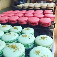 A Professional Baker's Insider Tips for Making the Best Macarons Macaroons-I love these things (visually more so than culinary-wise), I usually buy but do want to try and make one day. And then will probably go back to buying…. Baking Recipes, Cookie Recipes, Dessert Recipes, Baking Tips, Picnic Recipes, Baking Desserts, Appetizer Recipes, Just Desserts, Delicious Desserts