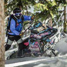Klimiltä löydät myös laadukkaat naisten ajovarusteet #Repost @klimgear  #KLIM athlete @sheshredsmountainadventures Julie-Ann Chapman is a force to be reckoned with on the mountain. #KLIMLife
