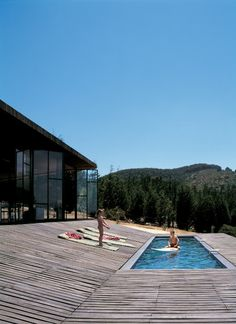 12 Modern Pools That Make a Big Splash Photo