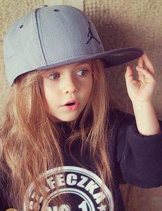 This little girl is soooooo cute