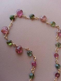 Collier tourmalines briolettes roses et vertes chaîne or