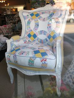 """Quilt upholstered vintage chair Seen in the window of a Nothern Michigan Shop. """"Patricia Wood & Company"""" Harbor Springs, Michigan (I looked at this and made my first attempt to recover a chair. Furniture Projects, Furniture Makeover, Diy Furniture, Family Furniture, Chair Makeover, Furniture Covers, Furniture Design, Old Chairs, Vintage Chairs"""