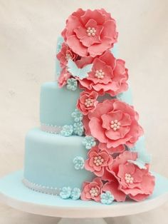 tiffany blue and coral wedding. I am not a flowery person or pink lover either, but I LoVE these colors together! And this cake is awesome! Not that I will be needing a wedding cake anytime soon. Gorgeous Cakes, Pretty Cakes, Cute Cakes, Amazing Cakes, Gateaux Cake, Piece Of Cakes, Love Cake, Fancy Cakes, Creative Cakes