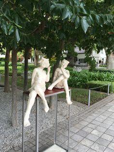 Gossip Girls, sculptures done by Gerhard van Eck Gossip Girls, Sculptures, Van, Gossip Girl, Vans, Sculpture, Vans Outfit