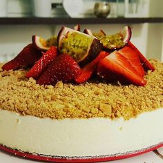 nouw.com/byjasmineitaliano Panna Cotta, Cheesecake, Ethnic Recipes, Desserts, Food, Tailgate Desserts, Dulce De Leche, Deserts, Cheesecakes