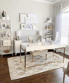 11 Stunning Home Offices With Feminine Desks. Big pretty work spaces that appeal to people looking for pretty desks. Small Home Office Furniture, Cozy Home Office, Home Office Space, Home Office Desks, White Desk Home Office, Office In Bedroom Ideas, At Home Office Ideas, White Desks, Hone Office Ideas