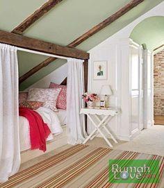 Desain Praktis Tempat Tidur Hemat Tempat