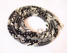 Colar Corda longa frisada Crochê - pérolas - Missangas jóias - Elegante - Geométrico - Patchwork - Cinza - Preto - Bege Claro