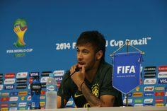 Neymar 'se arrepia' com a Copa e deixa título de craque do Mundial para Messi e Ronaldo (© Vipcomm)