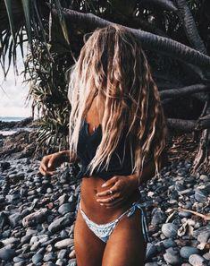 Trendy Beachwear for the Summer Surfergirl Style, Foto Casual, Summer Goals, Karen, Summer Aesthetic, Beach Hair, Beach Blonde, Girl Beach, Summer Pictures