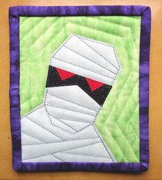 mummy mini-quilt