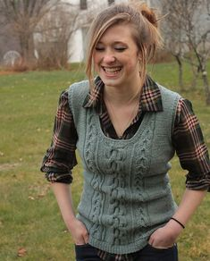 Knitting Patterns Sweaters Splitstone sweater vest pattern by Alicia Plummer (knitting, bottom-up, in-the-round, cables, short … Knit Vest Pattern, Knitting Patterns, Estilo Tomboy, Pulls, Knitting Projects, Hand Knitting, Knitwear, Knit Crochet, Sweaters
