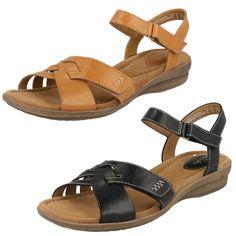 3c4538ce588b19 Ladies clarks sandals leather fitting -d style -reid laguna