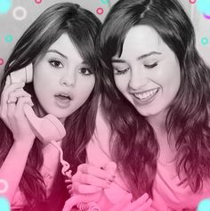 Selena Gomez and Demi Lovato Demi Lovato, Sister Pictures, Sister Pics, Princess Protection Program, Nick Jonas Smile, Kristen Ashley, Disney Cast, Pretty Females, Eyebrows On Fleek