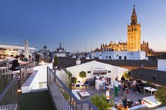 Seville is a city with an amazing skyline, and the best way to enjoy a mild evening in Seville is at one of the many terrace bars, so to help you, here's our guide to the best roof top bars in Seville! This is the rooftop bar at the beautiful Hotel Fontecruz.