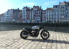 Cafe racers, scramblers, street trackers, vintage bikes and much more. The best garage for special motorcycles and cafe racers. Yamaha Cafe Racer, Cafe Racers, Yamaha Xs1100, Street Tracker, Vintage Bikes, Scrambler, Antique Cars, Motorcycles, Bobber
