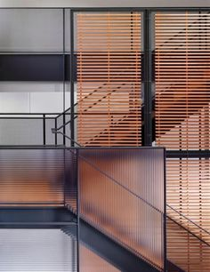Metal stairs incorporating wood slats and ribbed glass panel – staircase Glass Stairs, Metal Stairs, Stairs Window, Architecture Restaurant, Facade Architecture, Pavillion, Stair Handrail, Railings, Wood Balusters