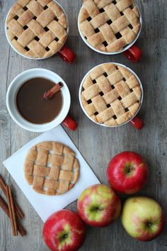 Lattice Pie Crust Mug Toppers! A sweet addition to a mug of warm cider / A Subtle Revelry Yummy Treats, Delicious Desserts, Sweet Treats, Dessert Recipes, Yummy Food, Apple Recipes, Fall Recipes, Sweet Recipes, Holiday Recipes