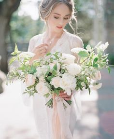 """111 Likes, 4 Comments - 🌿 Phoebe Rebecca Emily & Laura (@soyouregettingmarried) on Instagram: """"Super pretty and delicate bouquet image   @vasiaphotography #editorial #weddinginspiration…"""""""