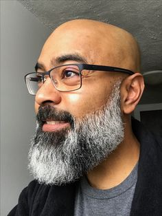 Bald With Beard, Bald Men, Beard Styles For Men, Hair And Beard Styles, Hair Styles, Black Man With Glasses, Badass Beard, Nice Beard, Black Men Beards