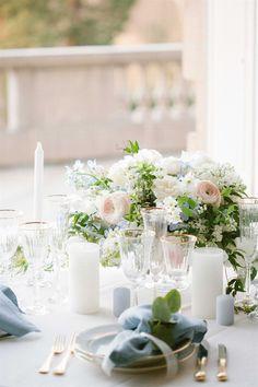 Wedding table decorations Wedding Invitation Trends, Classic Wedding Invitations, Wedding Stationery, Paris Wedding, French Wedding, Wedding France, Wedding Gold, Wedding Table Decorations, Decoration Table