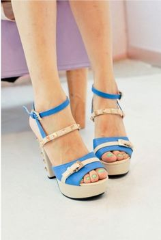 Fashionable Women's Color Matched Hasp Sandals with Rivet on BuyTrends.com, only price $22.92