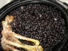 Treatments for arthritis and gout, such as home remedies like black bean broth, offer antioxidant protection, lower uric acid levels, &helip; Gout Remedies, Natural Remedies, Gout Prevention, Gout Recipes, How To Cure Gout, Gout Diet, American Diet, Uric Acid