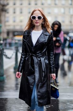 Paris Fashion Week fall 2017 is finally here, and we have all the best street style moments for you. Street Style 2017, Autumn Street Style, Street Style Women, Fashion Week Paris, Runway Fashion, Cool Street Fashion, Street Chic, Paris Street, Who What Wear