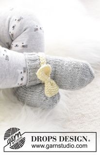 Little miss ribbons mittens / DROPS baby - free knitting patterns by DROPS design : Little miss ribbons mittens / DROPS baby – free knitting patterns by DROPS design Baby Knitting Patterns, Baby Hats Knitting, Baby Patterns, Free Knitting, Crochet Patterns, Baby Hat And Mittens, Crochet Baby Mittens, Crochet Baby Blanket Beginner, Crochet Baby Booties
