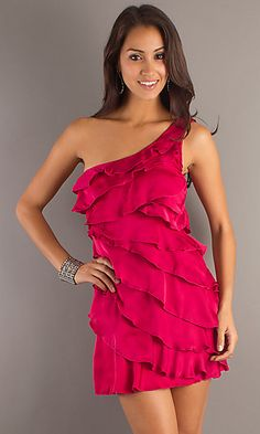 I'm not usually a big fan of ruffles but in my size 6 dreams I look great in this!