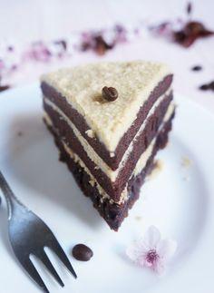 A kávé izgalmas alapanyag, felejthetetlen kombinációt alkot. Ehhez a csokitorta-alaphoz nagyon jól illik a lágy vajas, kévés mascarpone krém, együtt csodás harmóniát alkot. Nem véletlenül i How To Make Cake, Food To Make, Hungarian Recipes, Cake Cookies, Sweet Recipes, Cookie Recipes, Tart, Cheesecake, Food And Drink