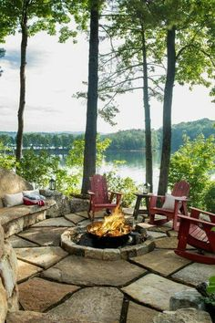 These fire pit ideas and designs will transform your backyard. Check out this list propane fire pit, gas fire pit, fire pit table and lowes fire pit of ways to update your outdoor fire pit ! Find 30 inspiring diy fire pit design ideas in this article. Diy Fire Pit, Fire Pit Backyard, Fire Pits, Haus Am See, Patio Interior, Interior Design, Lake Cabins, Mountain Cabins, Cabins And Cottages