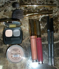 bareMinerals Bare Luxury 8-piece Collection #qvc #tsv #bareminerals #bargain #beautyblogger