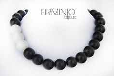 #Girocollo in perle di #agata bianca e nera. #necklace with white and black #agate. $110