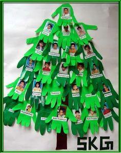 Árbol de navidad con las fotografías de los niños.. Gran idea!