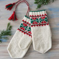 In PieceWork's eBook, Discover the Wonderful World of Sami Knitting: 5 Mitten Patterns from Finland, Norway & Sweden to Knit, you will learn about Jouni and his… Red Mittens, Mitten Gloves, Mittens Pattern, Color Shapes, Beautiful Patterns, Twine, Christmas Stockings, Christmas Tree, Needlework