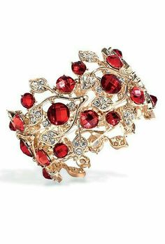 want this ring soo bad! I wish I could find it. I luv the garnet ring I have now. My husband gave it to me on Mother's Day while I was pregnant with our Son. akt beautiful ring Garnet my birthstone akt Ruby Jewelry, I Love Jewelry, Jewelry Box, Jewelry Accessories, Fine Jewelry, Jewelry Design, Vintage Jewelry, Jewlery, Owl Jewelry